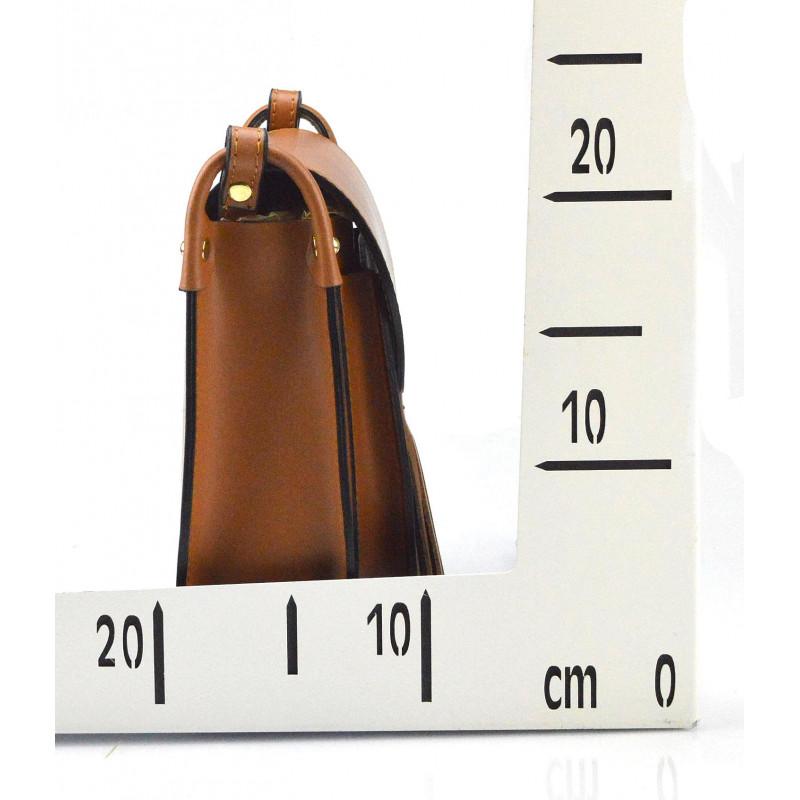 Kožená větší bordó crossbody kabelka na rameno bella - KabelkyZeSveta a96f8d797d5